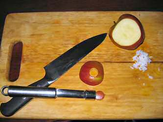 Making Apple-sushi for my hamster Lucy.