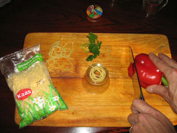 Cookin' some Simple Pasta for my hamster Lucy.