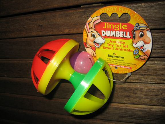 Picture of the 'Jingle Dumbell' gift Lucy got for X-mas from Sandra.
